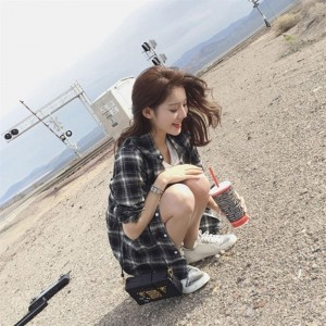 Girls Long-sleeved Single Breasted Plaid Shirts Loose Vintage Outerwear Shirts
